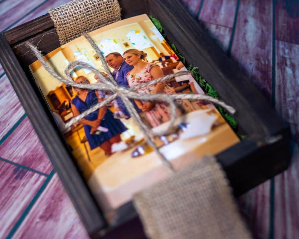 zdjęcia z chrztu łódź pamiątka chrztu świętego drewniane pudełko na zdjęcia