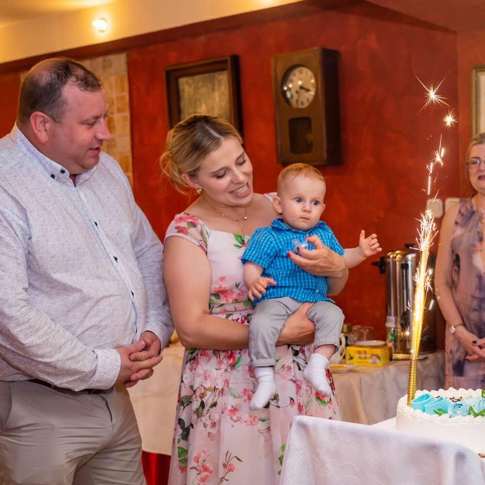 Reportaż z chrztu świętego Łódź przyjęcie tort na chrzest 31