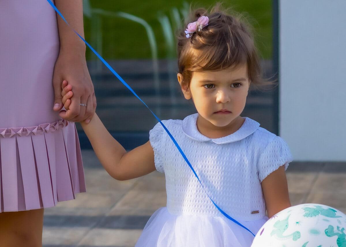 fotografia dziecięca łódź lifestyle dziewczynka z balonikiem